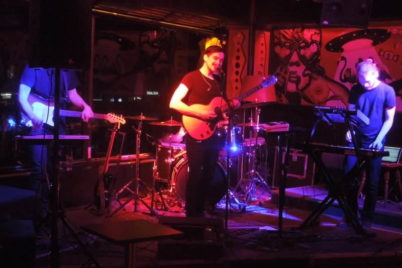 Deeper Upper live München Cord Club 2016