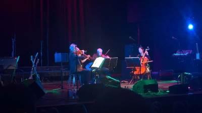 Múm und Kronos Quartett beim Airwaves Festival 2016